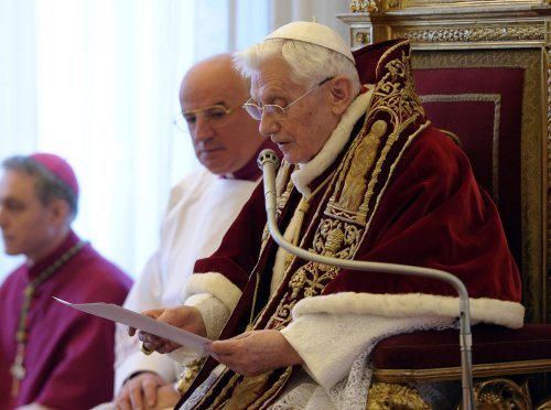 BERGOGLIO = 666 & BENEDETTO (Benoît XVI) = 666 !!! Ben-Resign